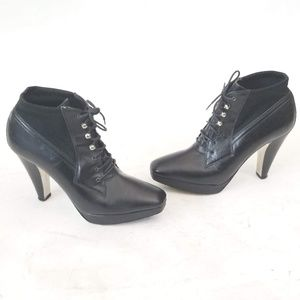 Donald J Pliner Heeled Booties Lace up Size 7.5 M
